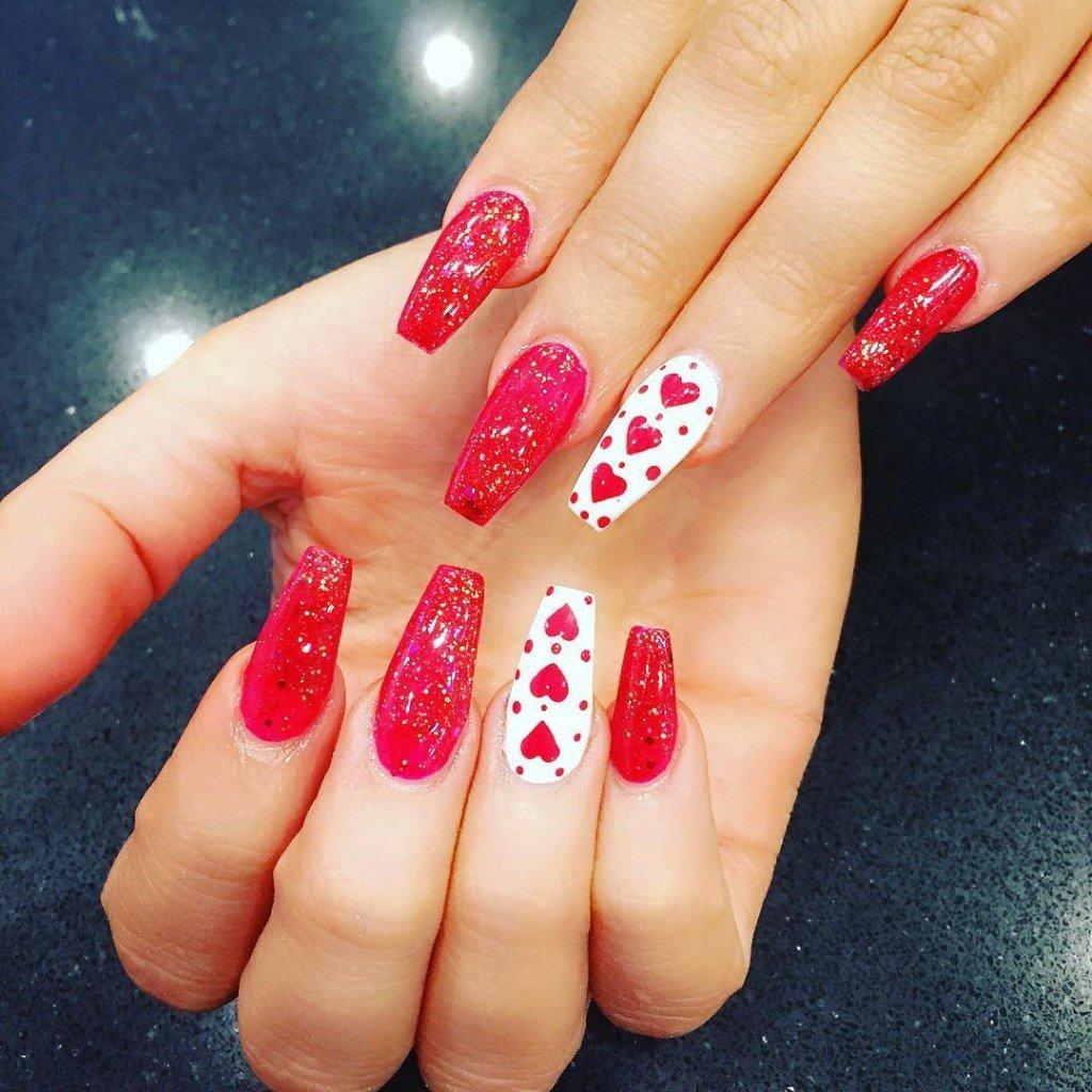 картинки красные ногти с рисунком