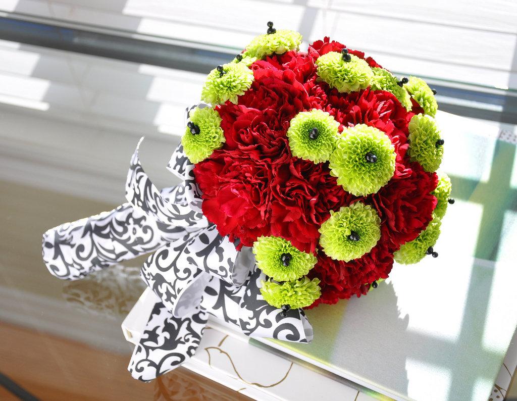 Букет из красных хризантем, магазинов цветов