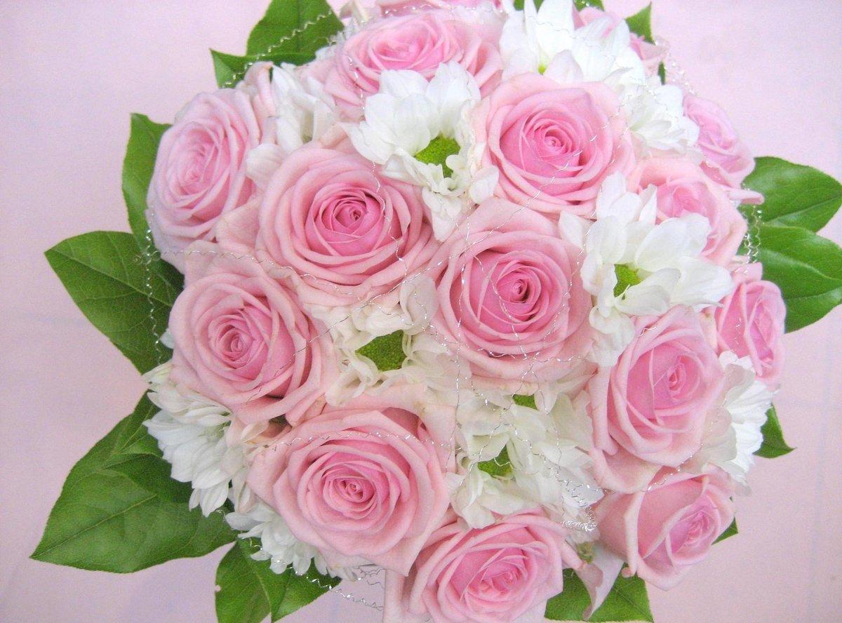 красивые картинки букеты розы нежные кажется вам странным