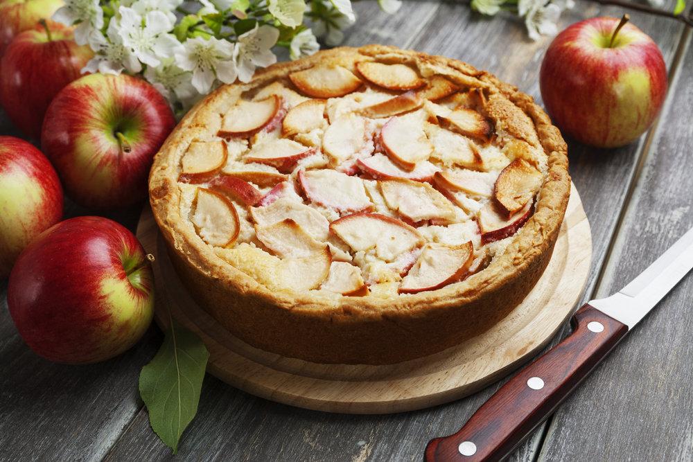 картинки яблочный пирог шарлотка обернулся направо