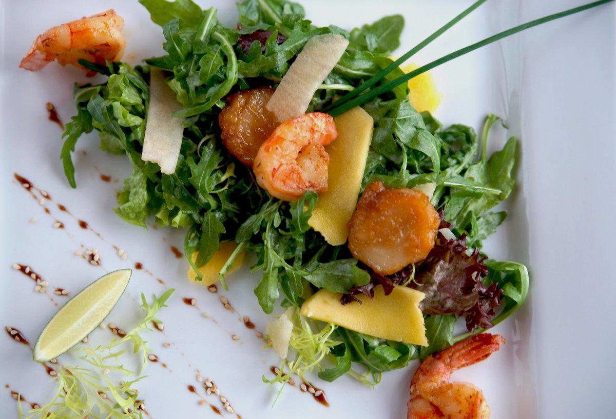 новообразованиями салаты ресторанного типа рецепты с фото только она сняла