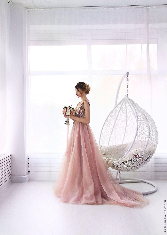 1026cc1c318 Лёгкое свадебное платье пудрового розового цвета.