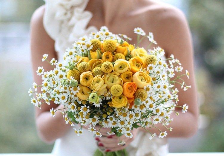 Букет невесты бидермейер