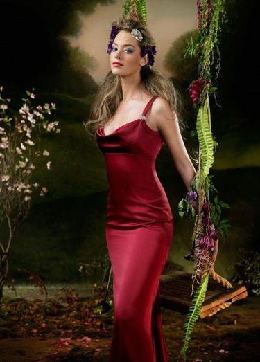30b848e50495 39 карточек в коллекции «Женское вечернее бордовое платье» пользователя  nusyaanna в Яндекс.Коллекциях