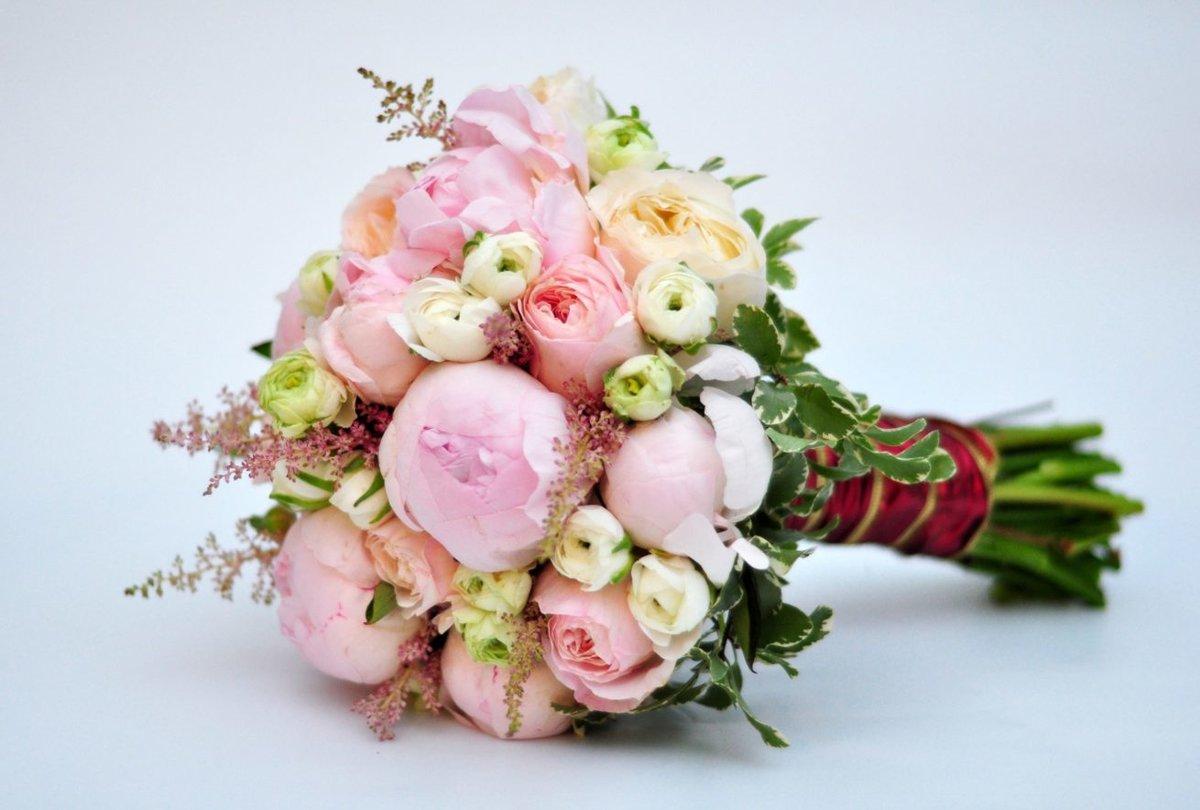Цветы свадебные букеты пионы и розы, орхидеи