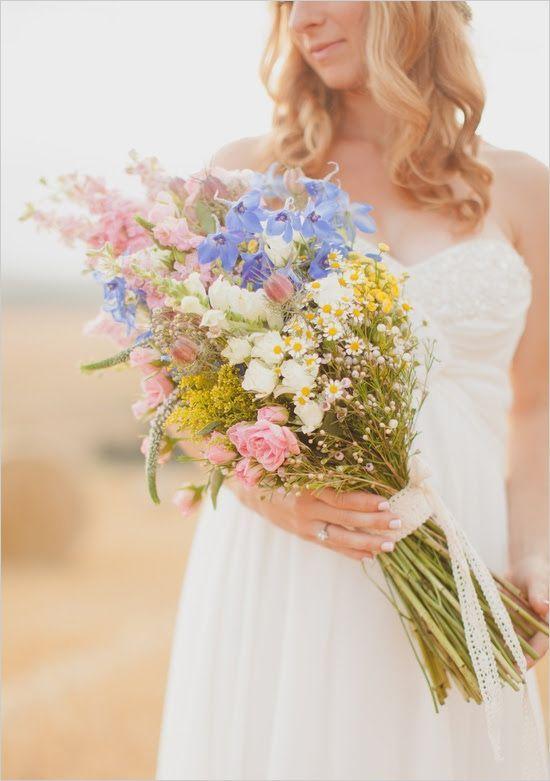 Свадебный букет невесты из полевых цветов 11