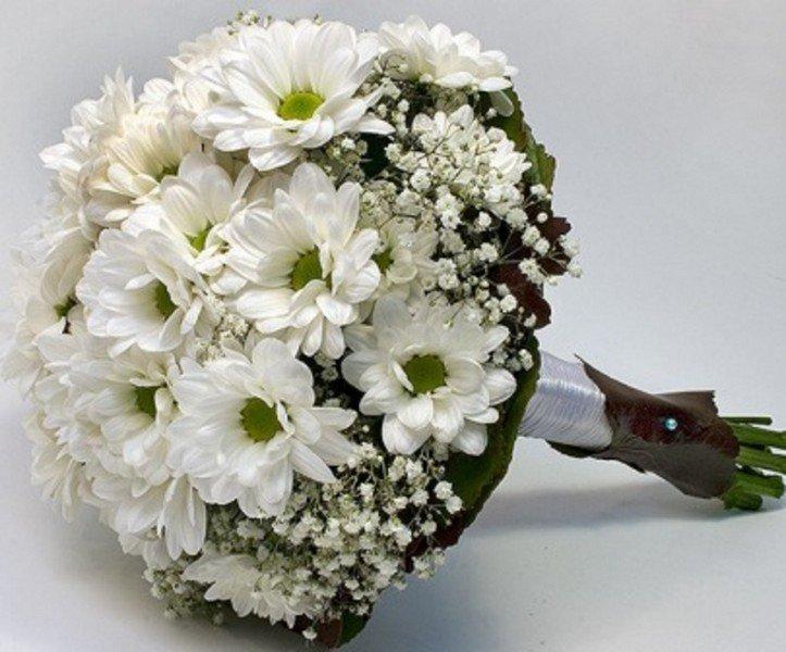 Роз киев, кустовая хризантема свадебный букет