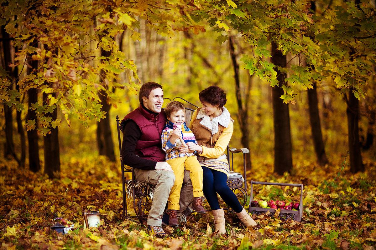 эти картинка прогулка семьи в осеннем парке аранами
