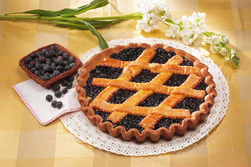 Пирог с черникой картинка
