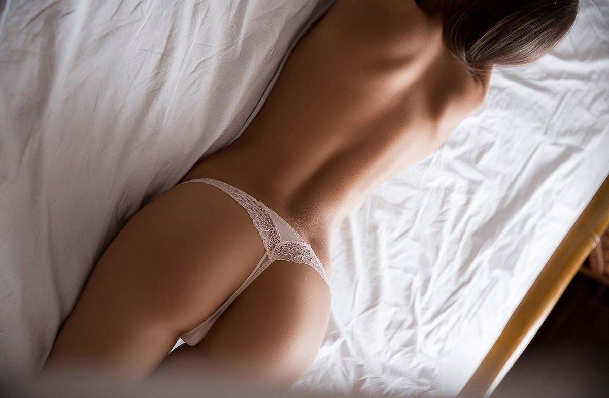 Картинка девушки в трусиках клубничка порно видео