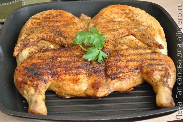 Цыпленок таБака таПака давно прижившийся на наших кухнях рецепт кавказской кухни проверенный временем. Не будем вдаваться в историю и обсуждать правильность названия блюда таПака и...