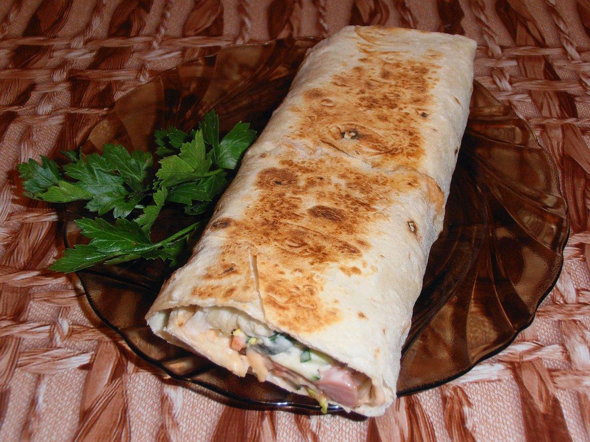 домашняя шаурма с колбасой в лаваше рецепт с фото