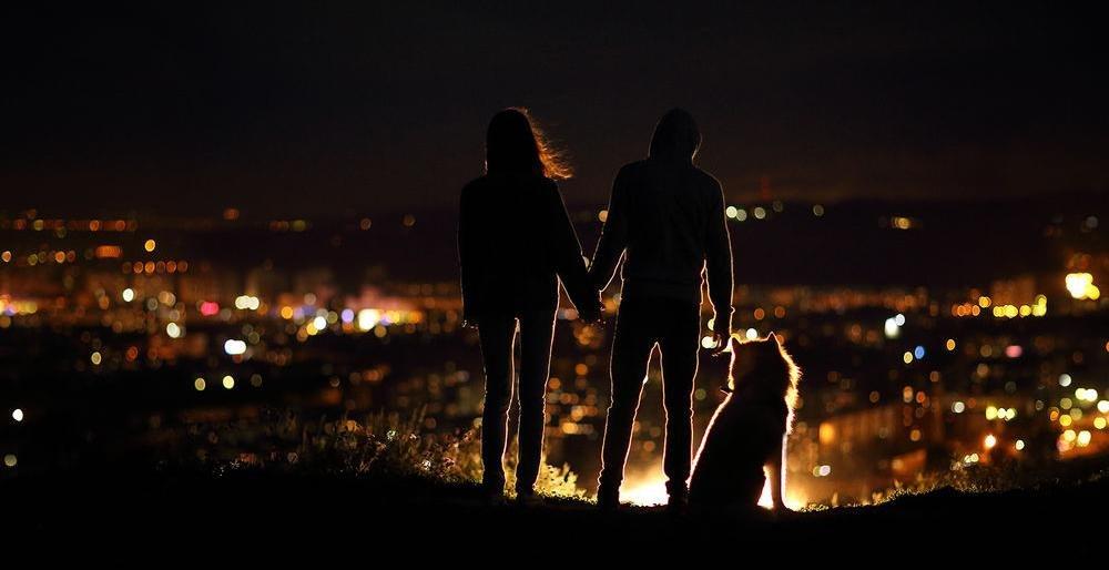 Вечером девушка и парень — pic 15