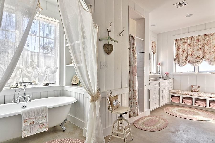 Shabby Chic Wall Paneling : Comfortable shabby chic bathroom and white claw foot tub and with