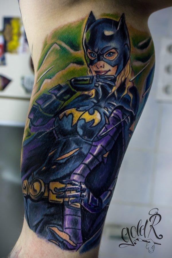 Татуировка Бэтгерл.