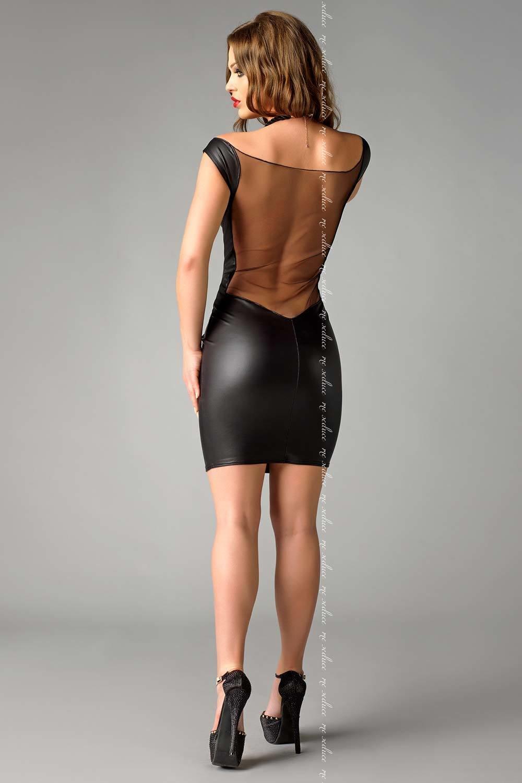 девушка в мини юбке из кожи в обтяг - 4
