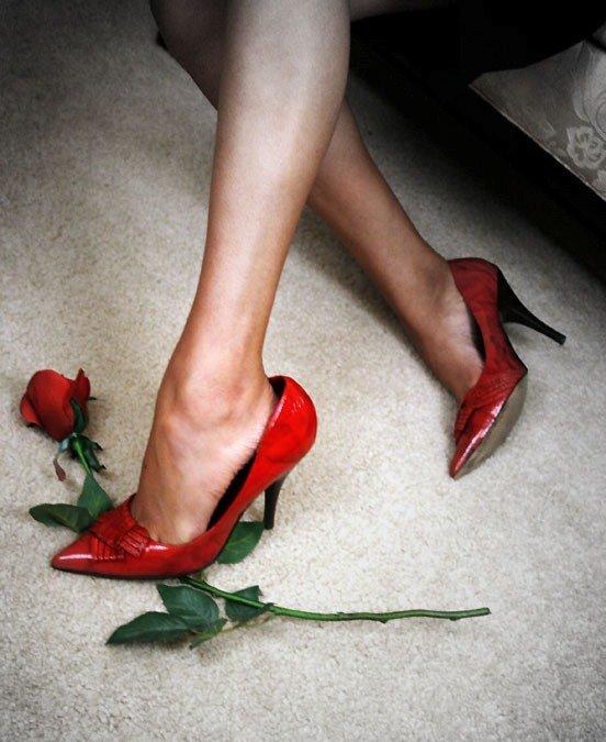 картинки женский ноги туфли цветы днем рождения женщине