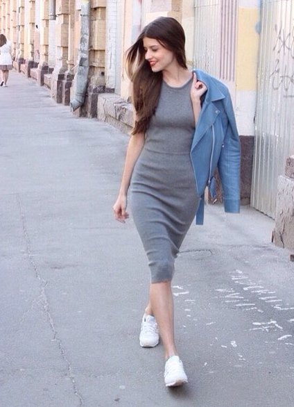 платье и кроссовки фото