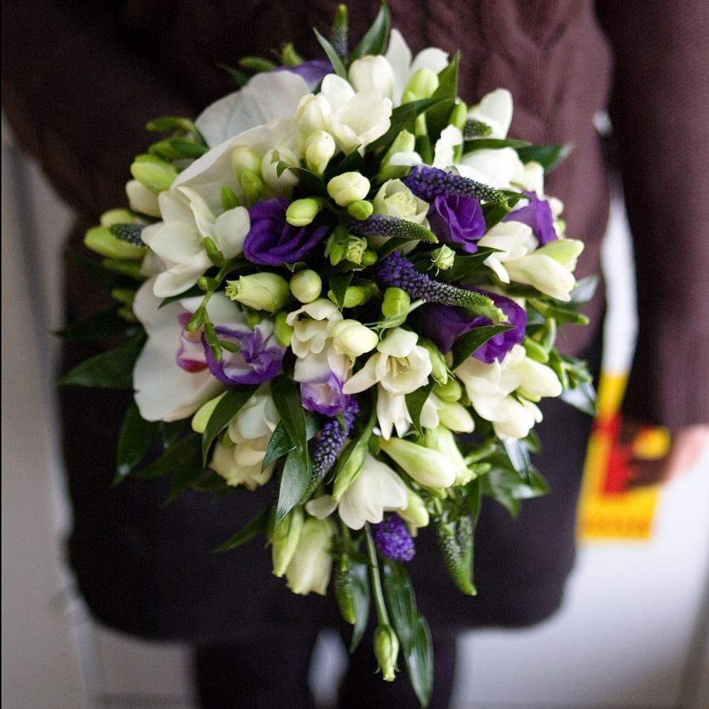 Кустовых, заказать свадебный букет из орхидей и фрезий