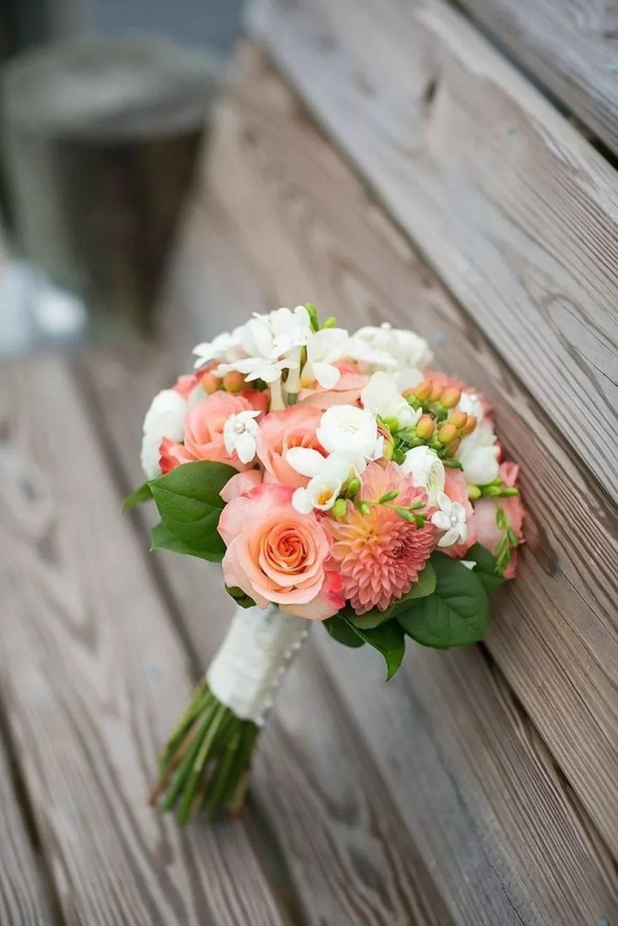 Желтый, какие цветы используют в свадебных букетах