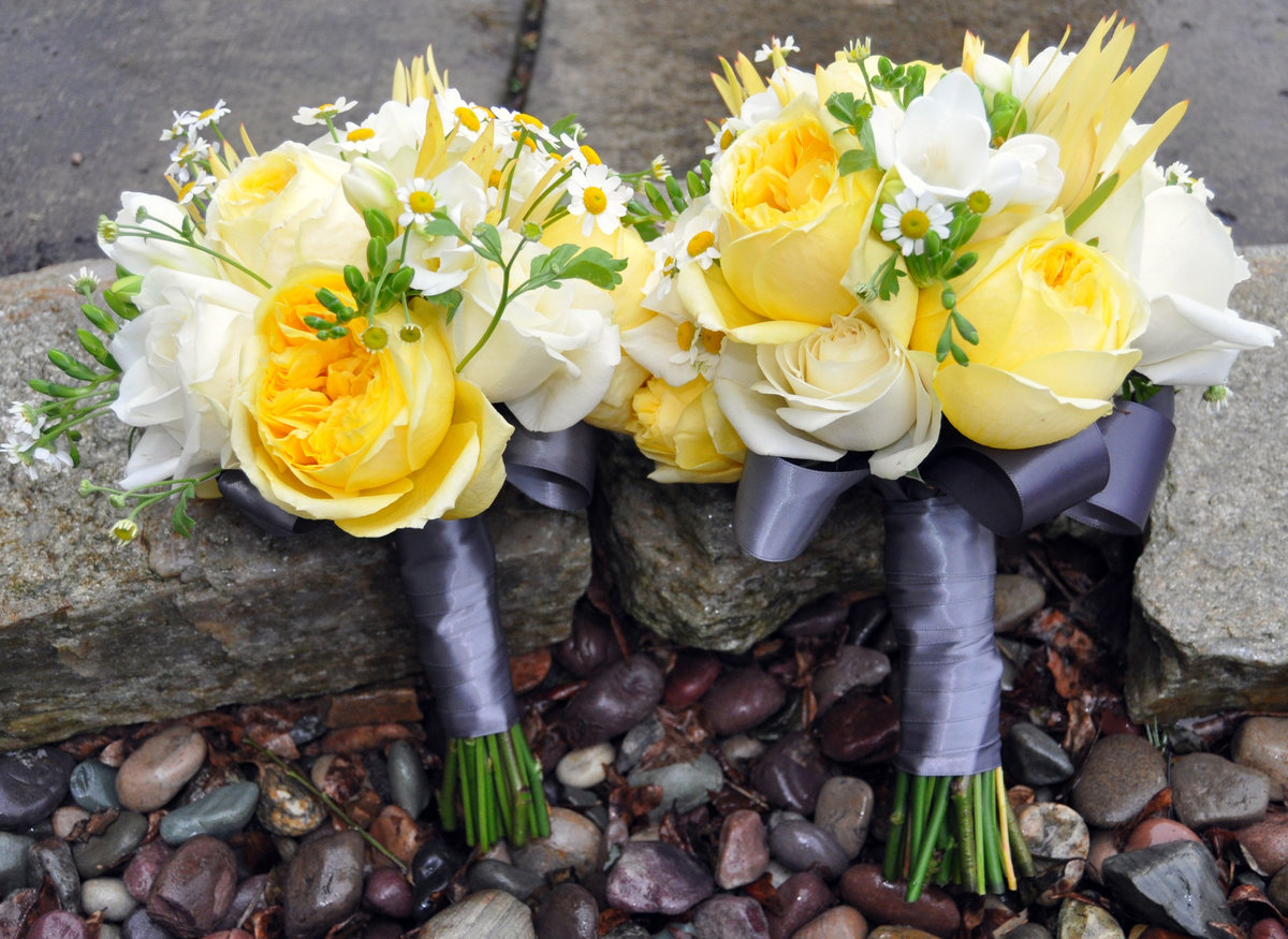 White And Yellow Wedding Bouquets See More About White And Yellow