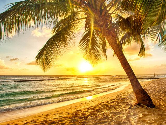 Рассвет на пляже