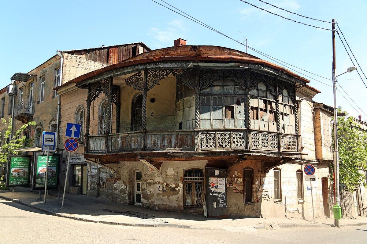 верят старинные грузинские дома фото самых