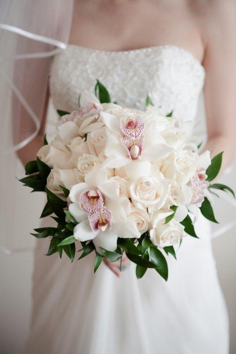 Цветов телефону, букет невесты с розовыми орхидеями и розами