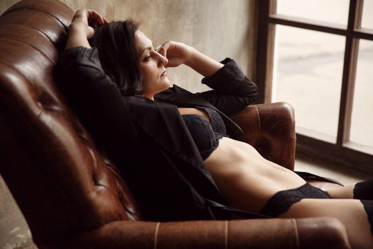 добрый красивый секс на кресле обычай