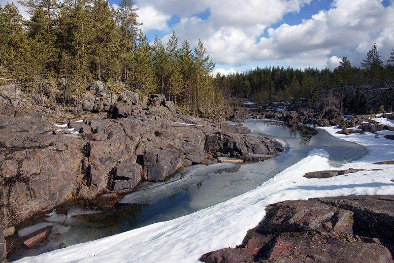 Карелия – край первозданной природы, здесь чистейшая, прозрачная вода, чистый, свежий целебный воздух и необъятные лесные просторы.