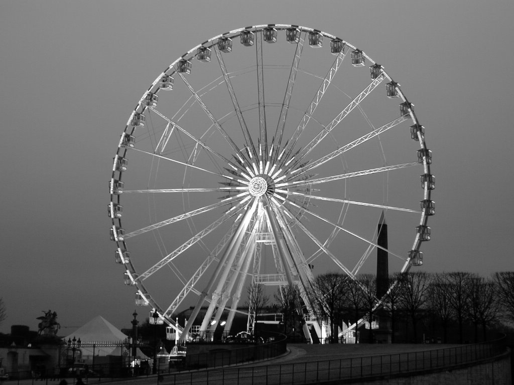 колесо обозрения в париже черно белое фото