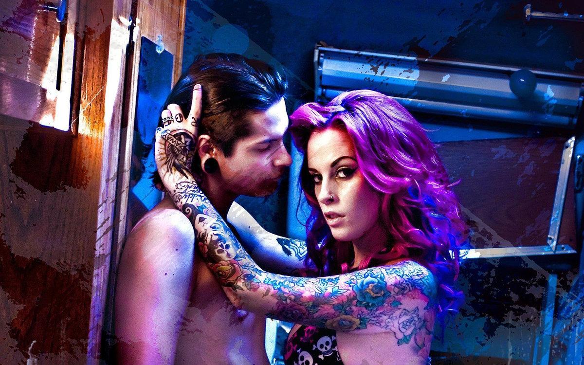 влюбилась в татуировщика мамочка, если