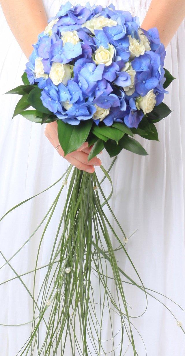Свадебный букет с гортензией, букет хризантем