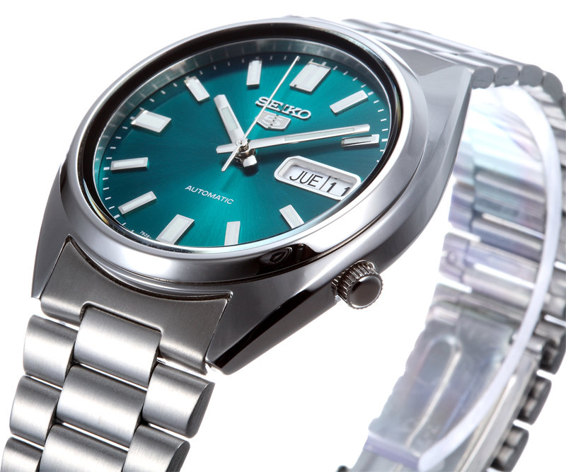 Перед специалистами компании стояла непростая задача - им нужно было создать точные, прочные и запоминающиеся механические часы, не имеющие аналогов в мире, и они с задачей справились.