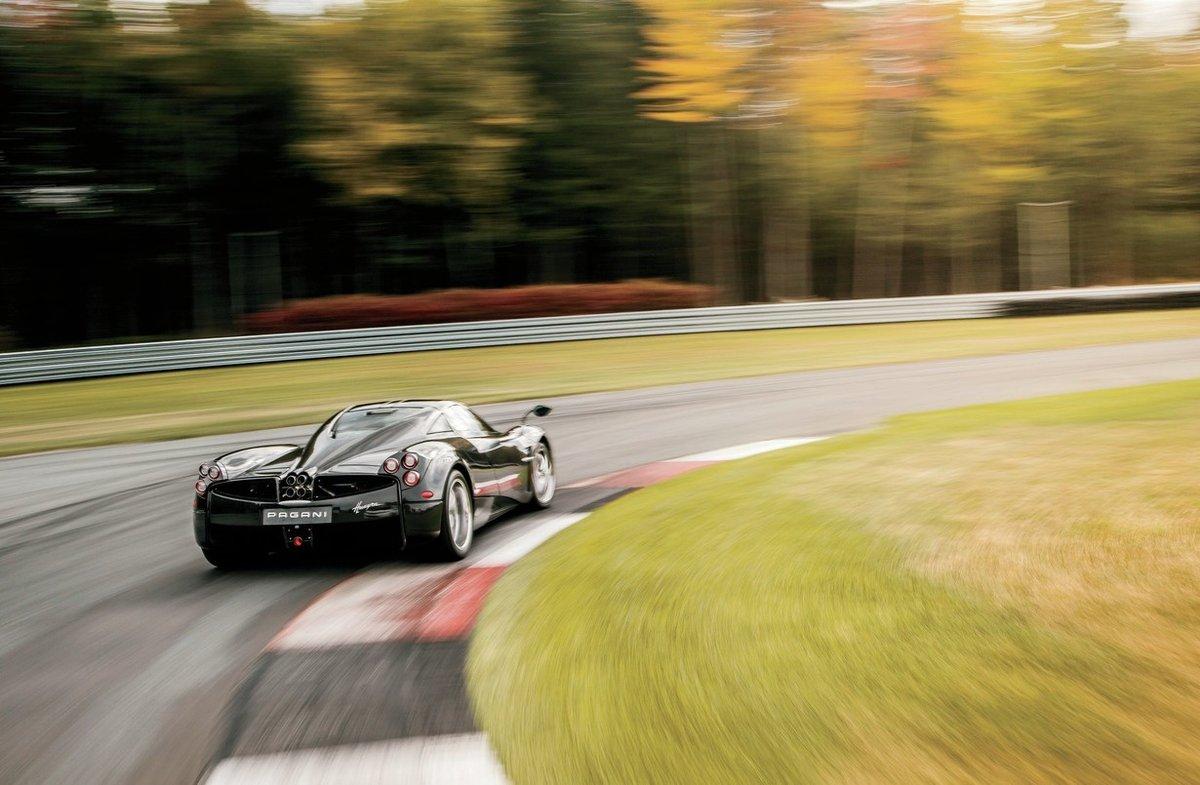2015 Pagani Huayra вÑодит в поворот