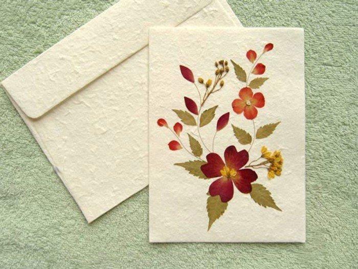 открытки или поделки из бумаги и листьев метро получит
