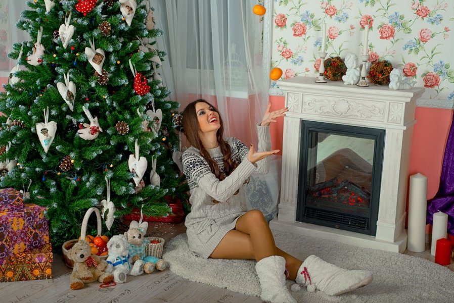 новогоднее домашнее фото девушки что