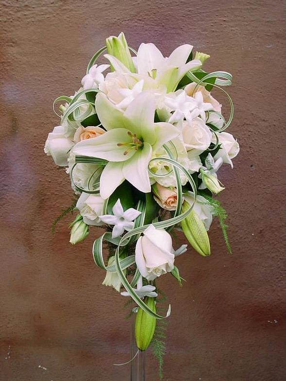 Цветами, свадебные букеты лилии с розами