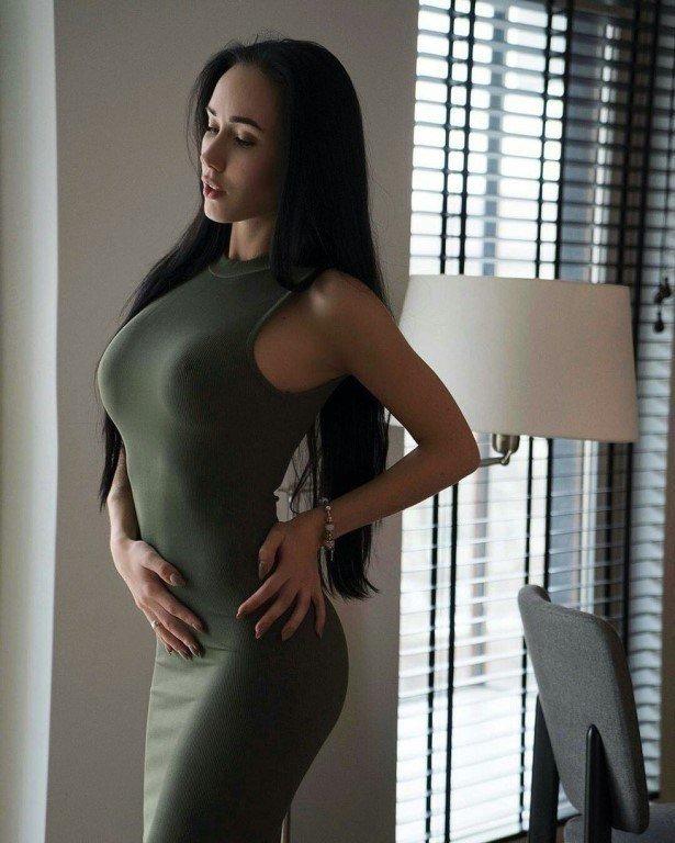 пускай полные большая грудь стройная девушка таких невероятных размеров