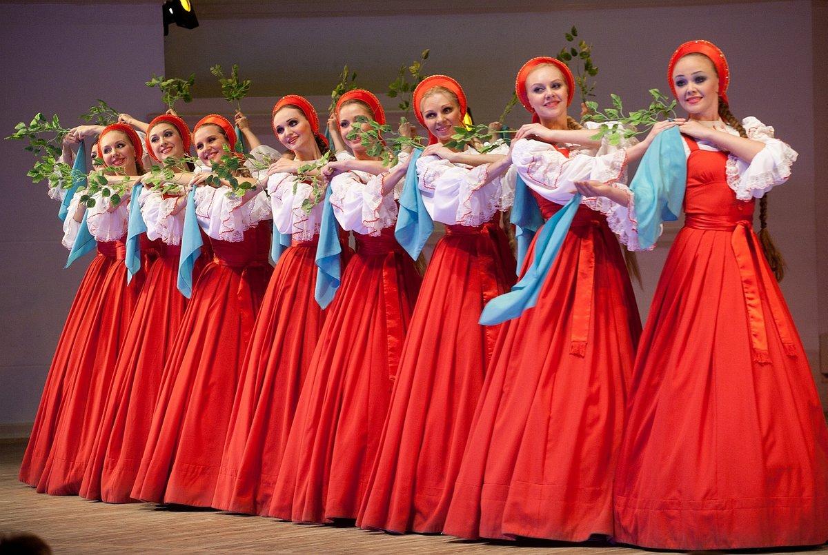 Русская девушка танцует 14
