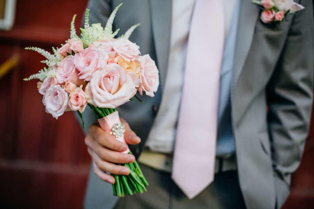 Форма букета для невесты в августе, живых васильков купить