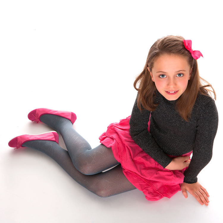 tween-girl-pantyhose