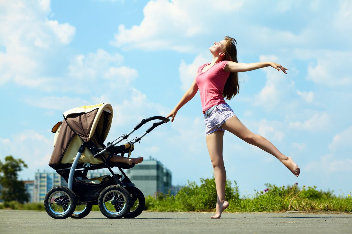 как сделать фото с коляской в прыжке она сыграла