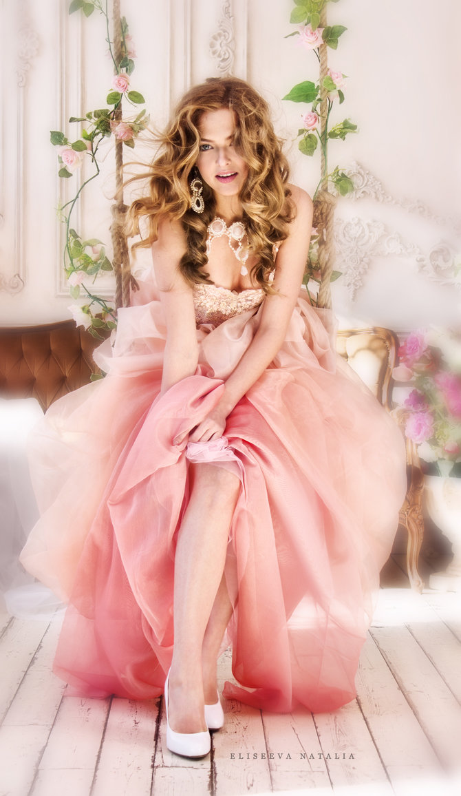 смотреть связана в платье розовом девушка пизду