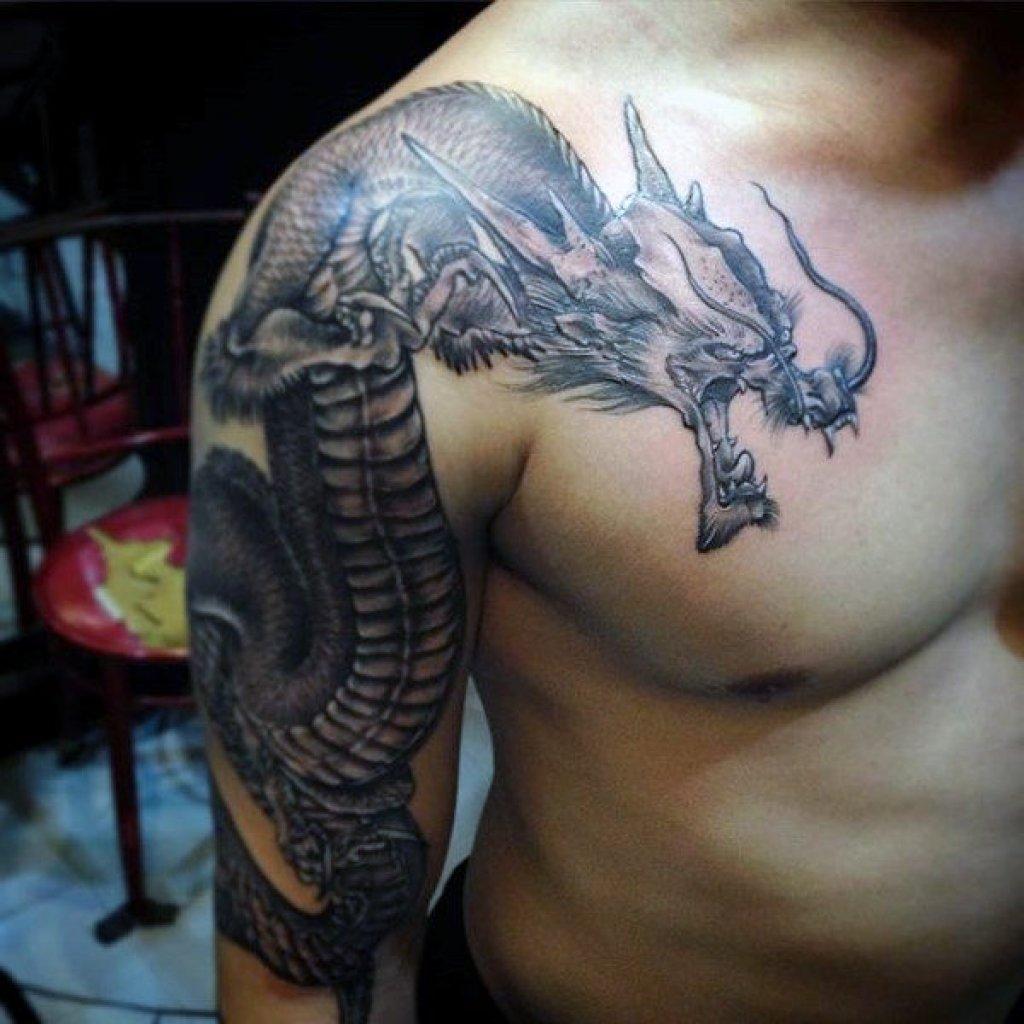 цветные глаза фотографии татуировок драконов узкий