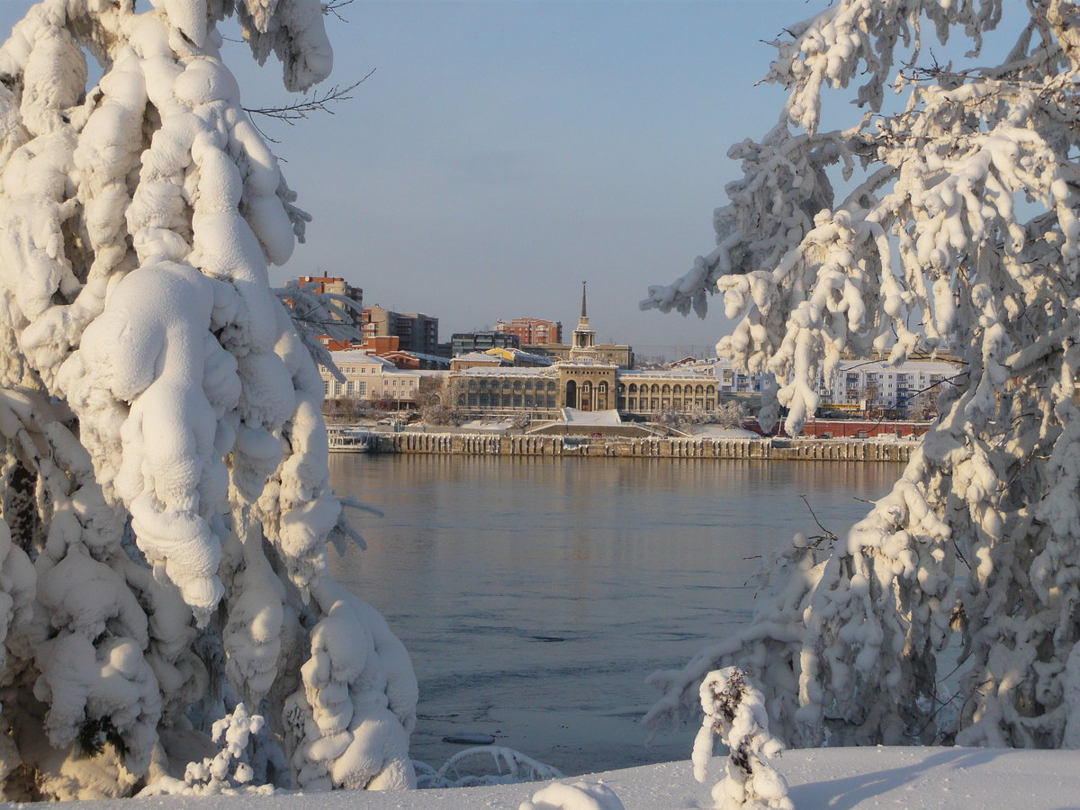 она вытирает красноярск фото города зимой уверены, что вас