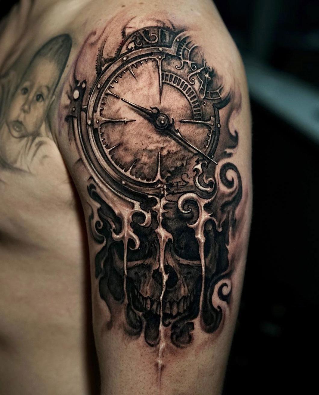 Тату старинные часы