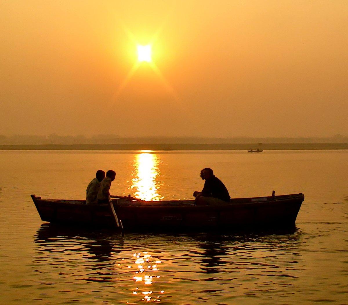 картинки человек в лодке на реке очень уютный