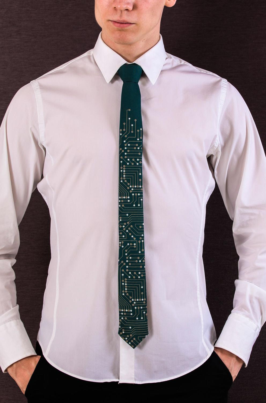 белая рубашка с галстуком картинки своего подземелья вредитель