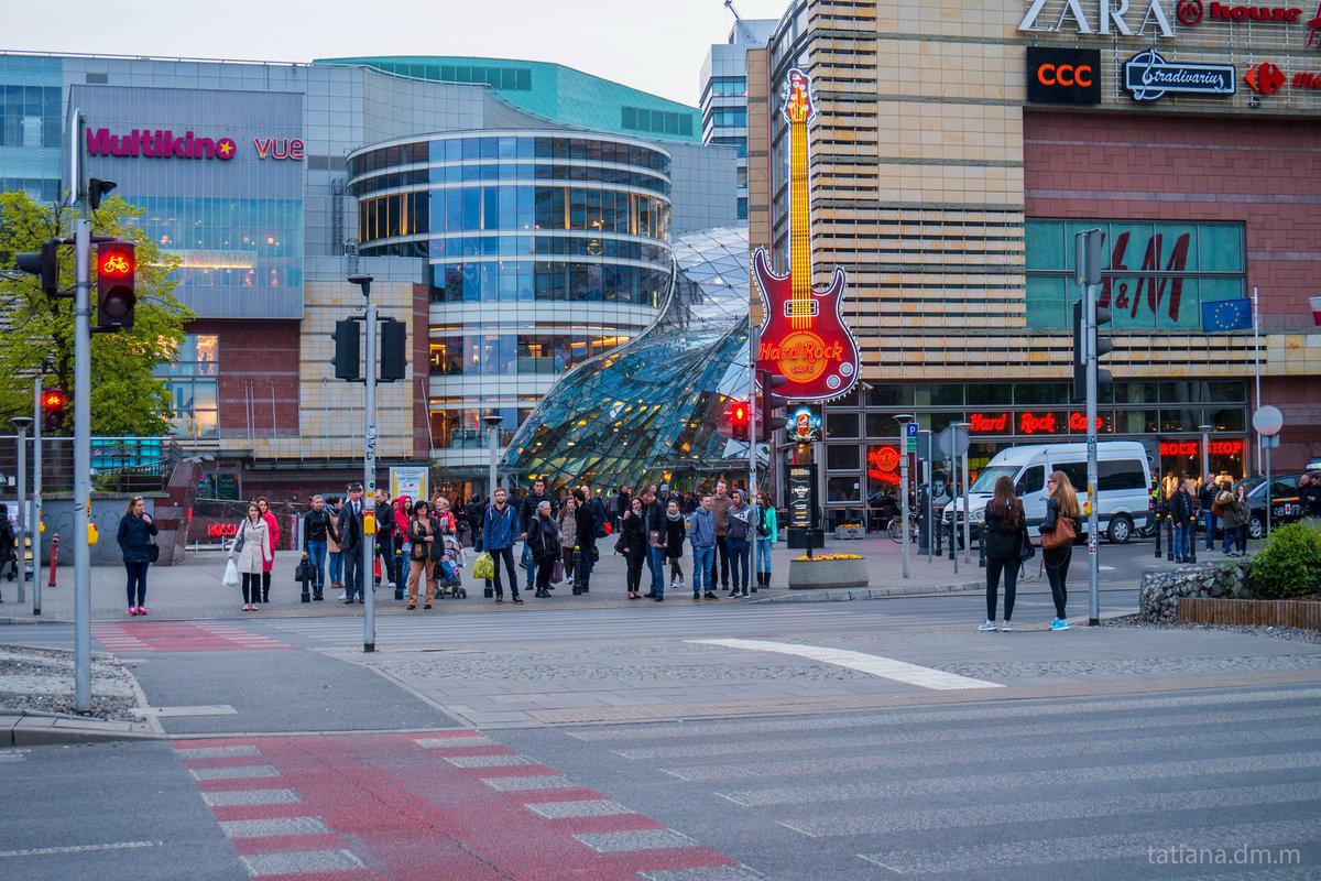 вчера торговые центры в варшаве с фото серьёзных сооружений